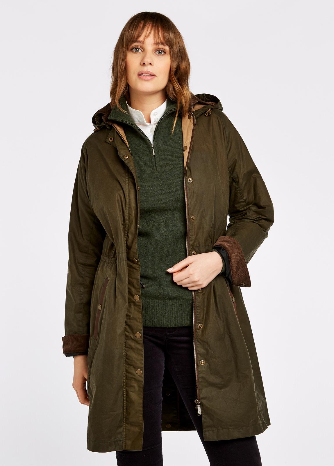 Dubarry_Ballyvaughan_Wax_Coat_Pine_on_model