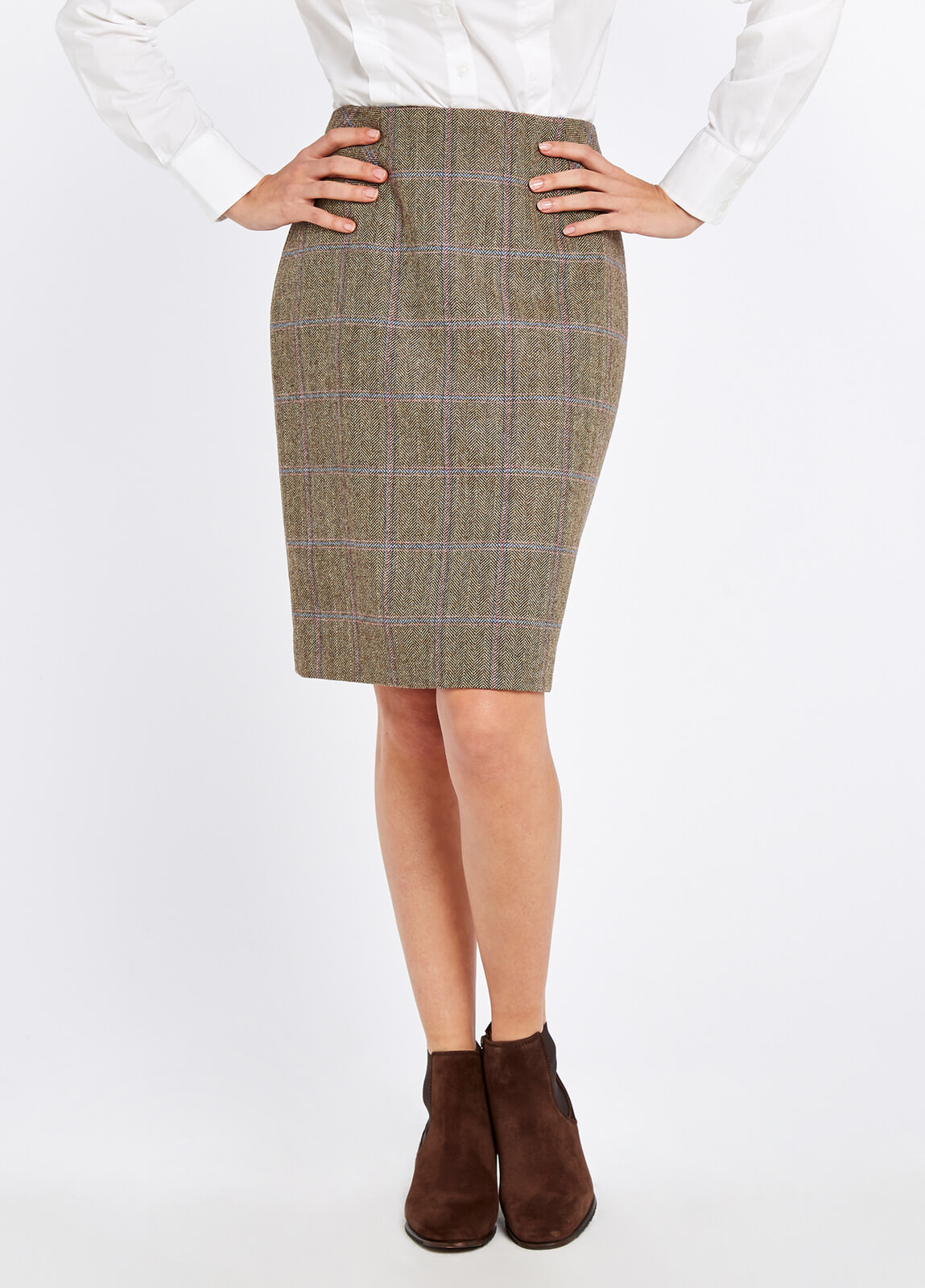Dubarry_Fern_Tweed_Skirt_Woodrose_on_model